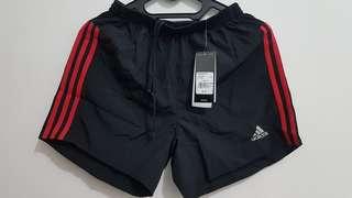 Celana olahraga Adidas