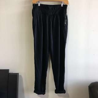 Aritzia Wilfred 0 Black Lyocell Joggers