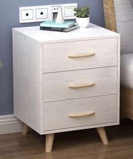 <全新未組裝> 白色床頭櫃 | <Brand New without assemble> Cabinet