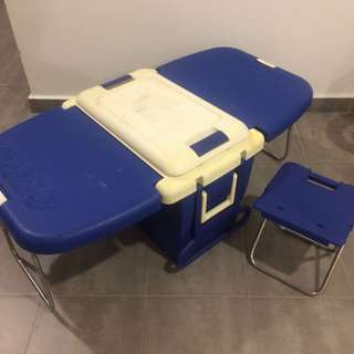 Foldable Picnic or Fishing Family Ice Box Cooler 5000 with 1 stool