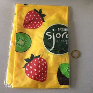 Foldable Sjora bag with small pouch