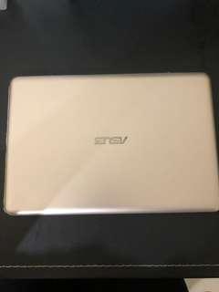 ASUS EeeBook X205T