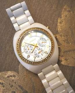 DKNY watch 閃石圈