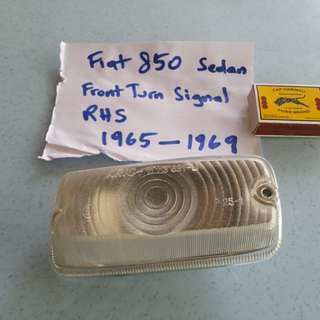 Fiat 850 Sedan front signal