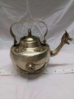 八吋古舊雕刻 銅水壺 擺件
