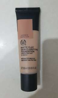 The Body Shop Matte Clay Foundation - shade Japanese Maple 034