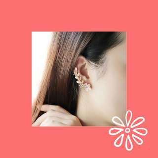 Flowers ear cuff