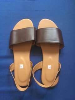 Onhand brown sandals
