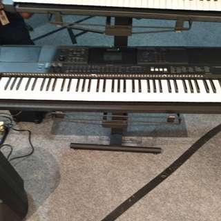 Keyboard yamaha ew 400 bisa dicicil
