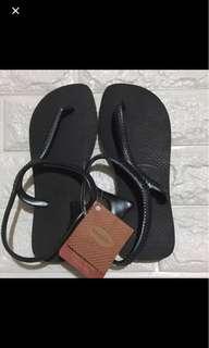 🚚 哈瓦仕黑色涼鞋