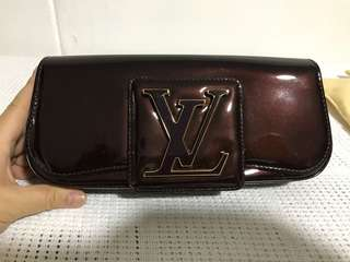 Louis Vuitton pochette sobe amaranth
