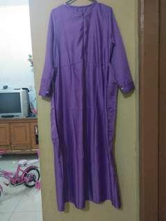 Gamis violet