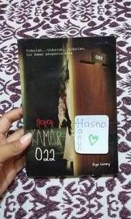 "Buku Horor ""Kamar 022"""