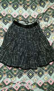 Tweed-like black patterned skirt