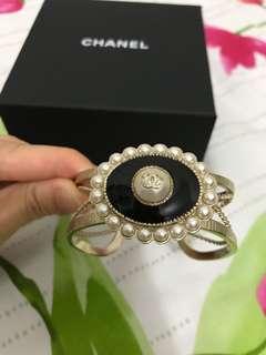 Chanel bracelet / bangle