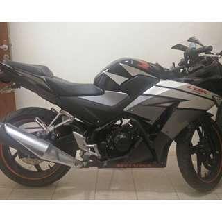 Honda CBR 150 R 2015