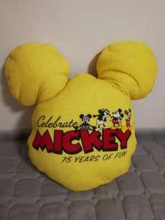 Disney 75 週年紀念米奇老鼠頭形 cushion