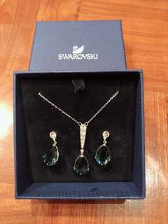 Swarovski Necklace & earrings set
