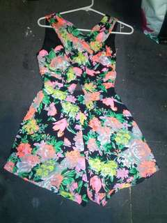 PLAYSUITE HAND SEWN GEORGEOUS SIZE 8/10