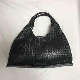BOTTEGA VENETA - 全人手織皮手工製黑色皮袋 意大利製造. 95% 新.