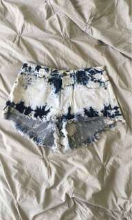 GUESS WOMENS JEAN SHORTS