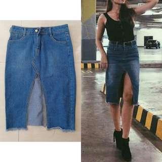 Brandnew Denim Skirt with slit
