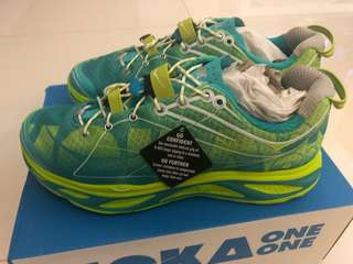 Brand New Hoka One One shoe - Huaka Women US8
