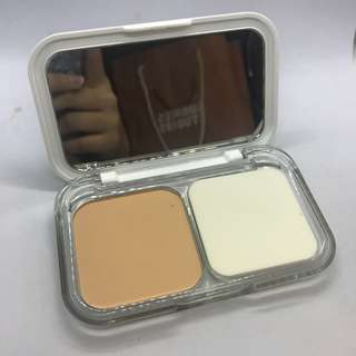 Maybelline White Super Fresh Powder Foundation