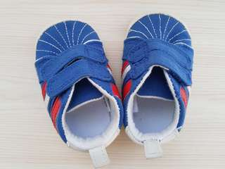 Sepatu Mothercare Red and blue trainers