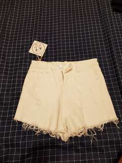 🚚 全新白色短褲