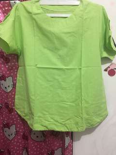 Blus hijau muda