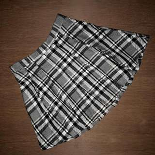 HnM H&M Original Black White Checked Skirt