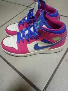 🚚 Nike air jordan 1 奈吉喬丹籃球鞋1代24.5
