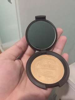 Becca Shimmering Skin Perfector Poured Crème