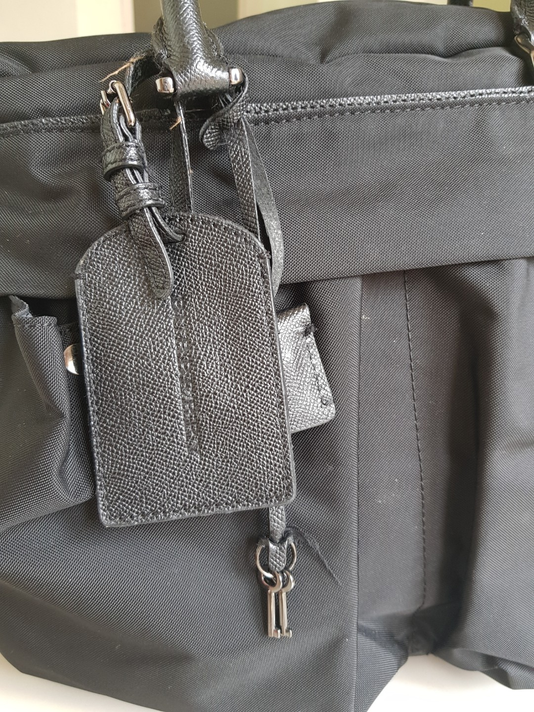 10c229cb2229  AUTHENTIC  Burberry Holdall Bag