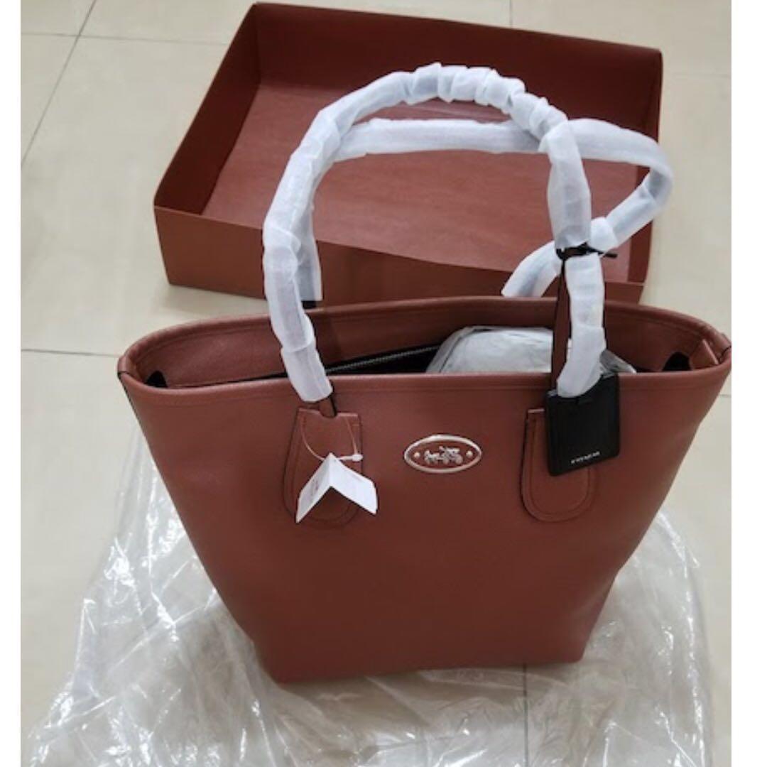 Coach 全新未用過真皮Tote Bag-$1500