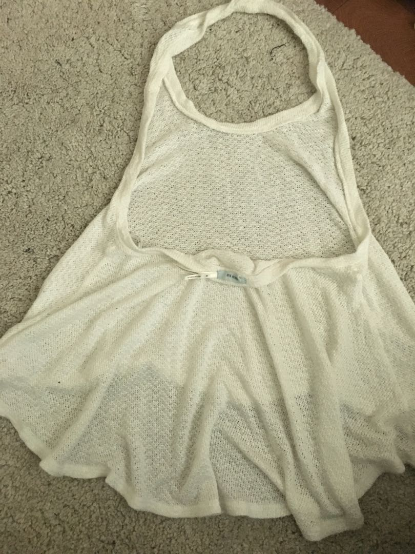 Neck-strap, low back, off-white top
