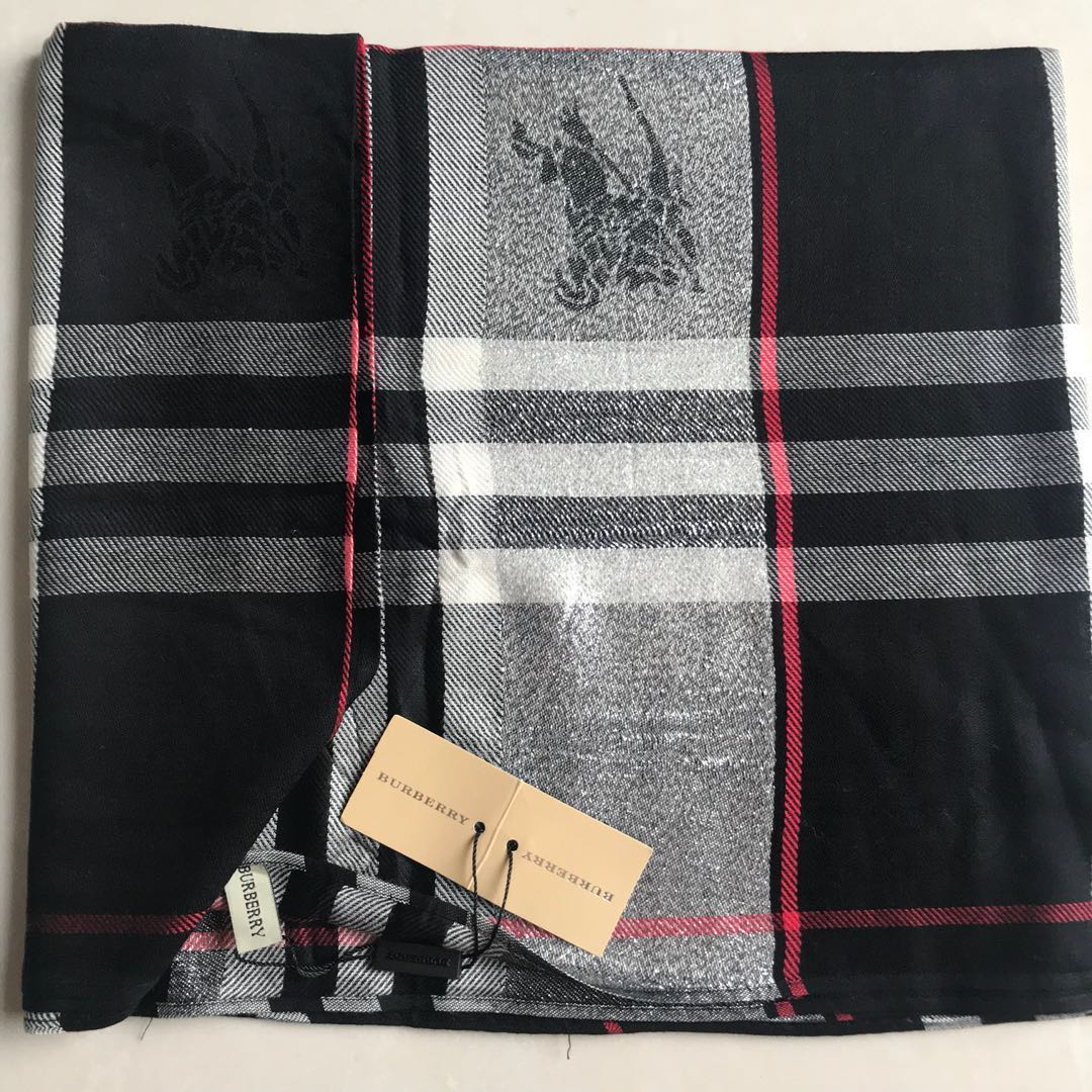 ... reduced scarf burberry glitter black premium quality preloved fesyen  wanita fb53f 1eda6 42f314d43b209