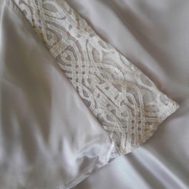 Silky satin lace kaftan kurung