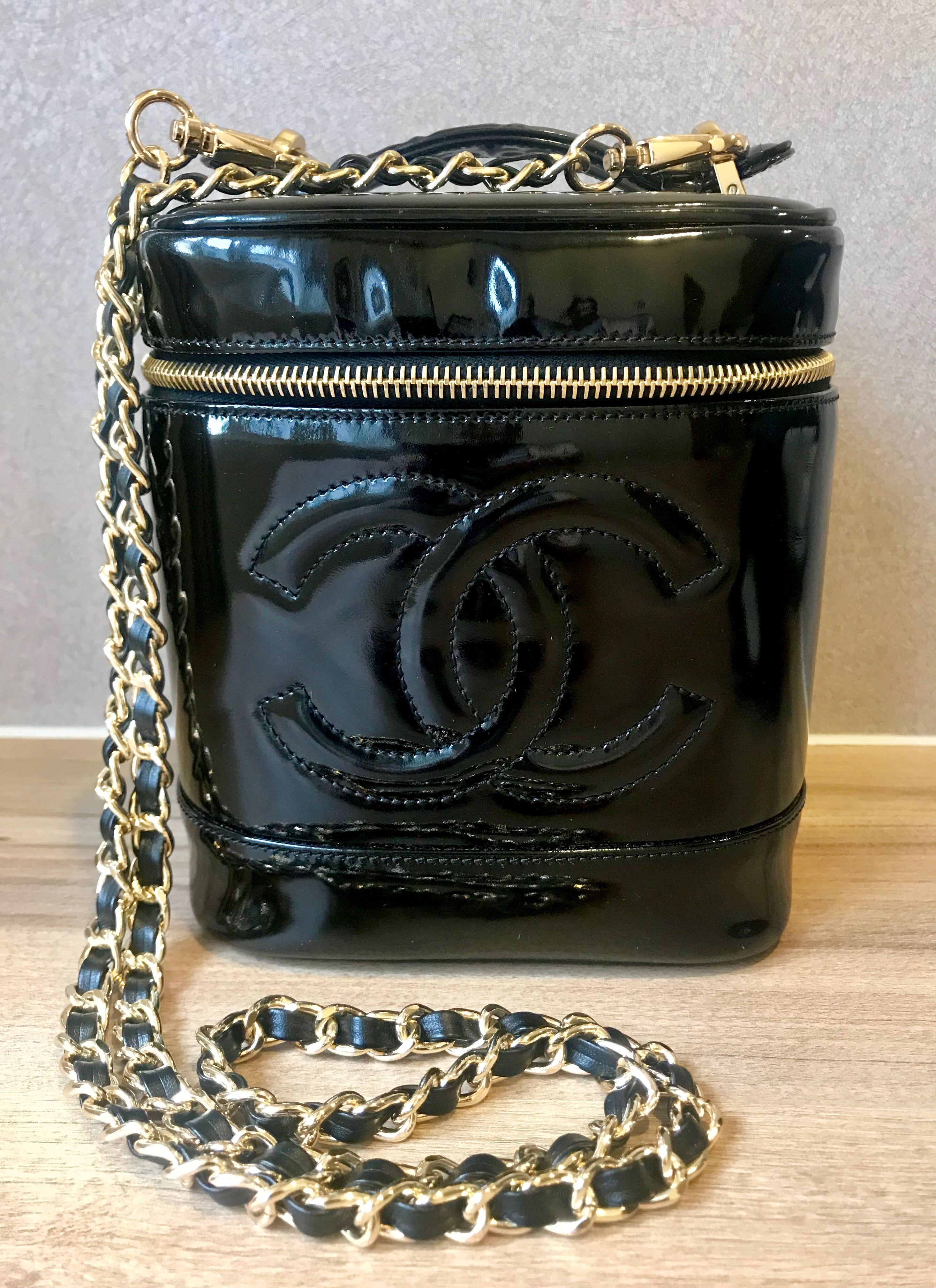 343740f6666987 Vintage Chanel Patent Leather Vanity Case, Luxury, Bags & Wallets on  Carousell