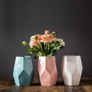 Instock polygon short vase