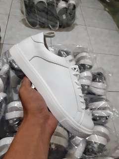 Sneaker putih bro