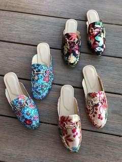 Half shoes / Mules