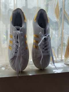 Adidas brandnew no box