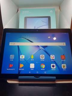 HUAWEI TAB T3  10 inches Second hand ONLY  Wifi *SPECS* 2GB RAM 16gb internal  Expandable memory up to 128 gb Almost new No issue  %98  Clean With complete accessories 1 yers warranty