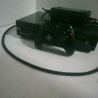 Xbox One 500gb 9/10 condition