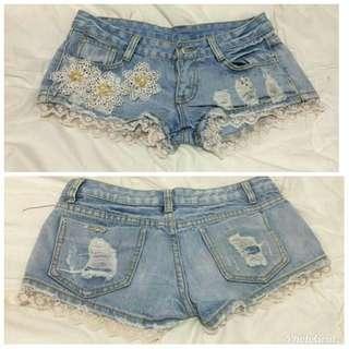Sexy skinny denim shorts