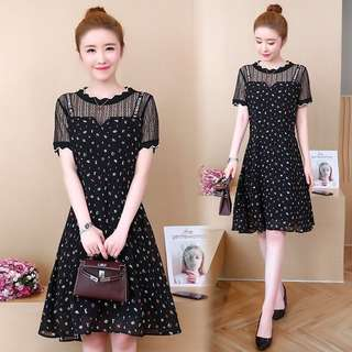 🚚 Ulzzang 2018 summer new large size women's lace stitching chiffon dress