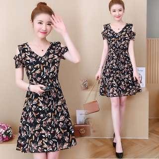 🚚 Korean Large size women's 2018 new summer floral strapless V neck dress