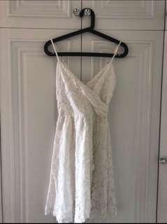 A&F純白色吊帶蕾絲修身A字吊帶連身裙禮服裙 Abercrombie & Fitch white lace dress